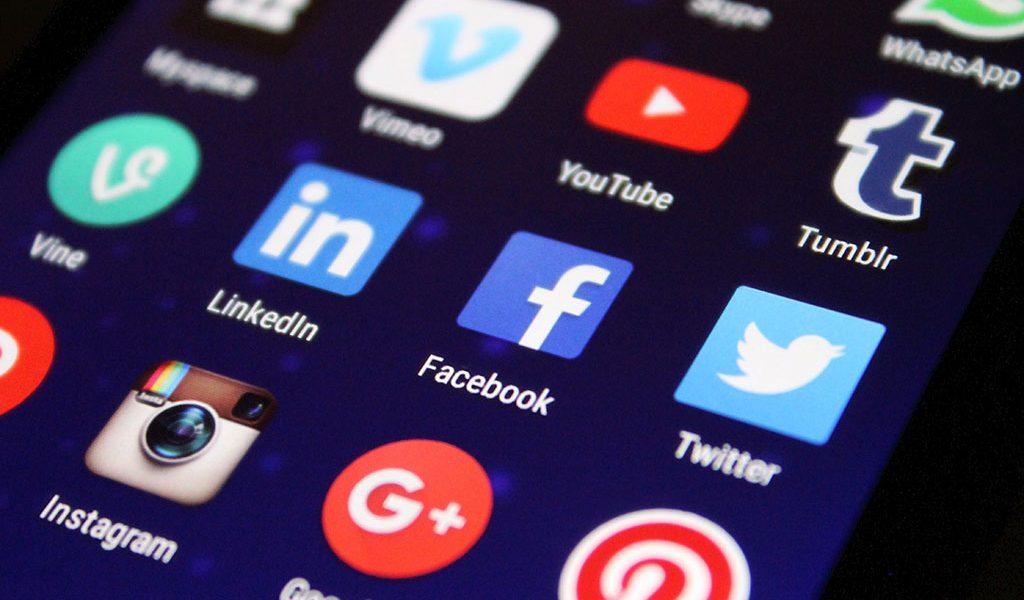O dilema da falsa consciência: Como as redes sociais contribuem para isso?